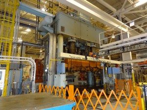 2000 Ton Williams and White Hydraulic Press 1