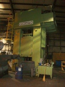 Weingarten 800 Metric Ton Press (13)